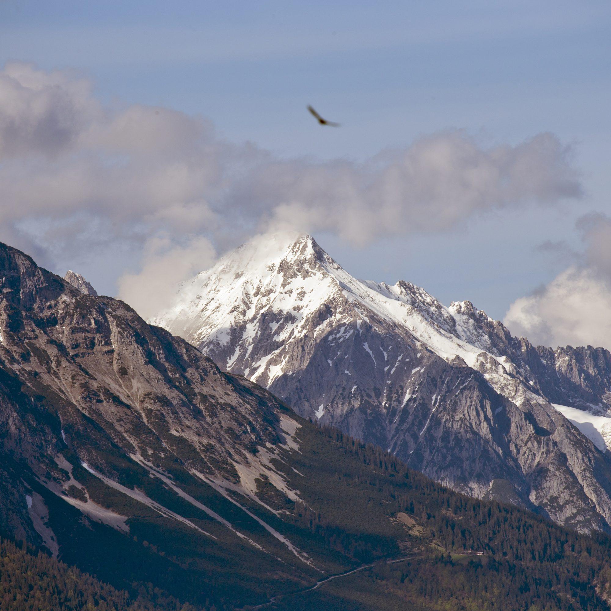 nordkette-mountain-range-1479381